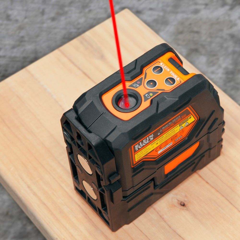 Self Leveling Cross Line Laser Level With Plumb Spot