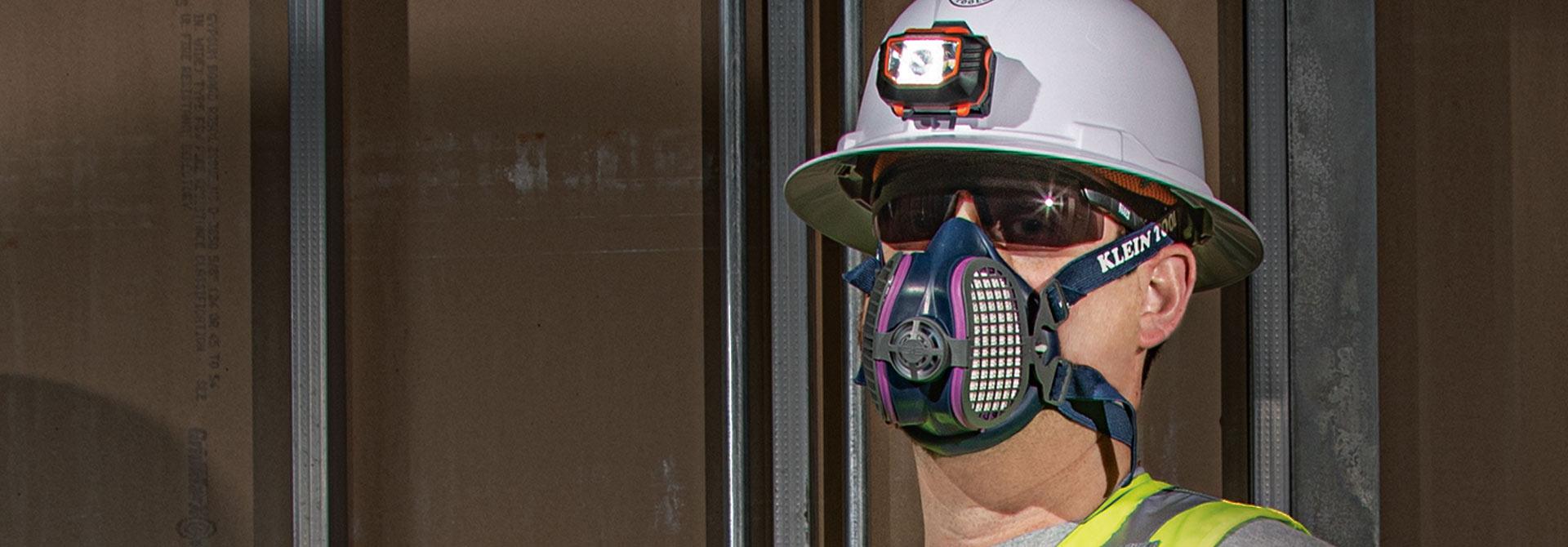 P100 Half-Mask \r\nRespirators