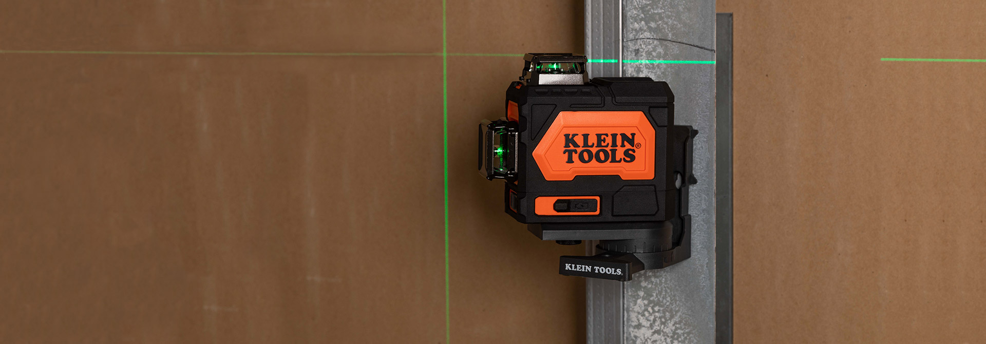 Rechargeable \r\nSelf-Leveling \r\nGreen Planar \r\nLaser Level